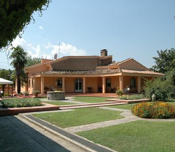 villa giardino piscina